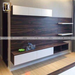 Kệ tivi kèm vách trang trí phòng khách gỗ KTV10